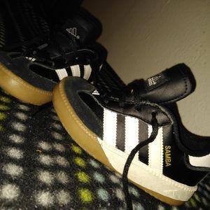 8k Adidas Samba